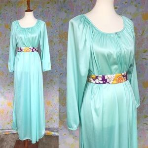 True Vintage🌷70s Cinderella Mint Nightgown